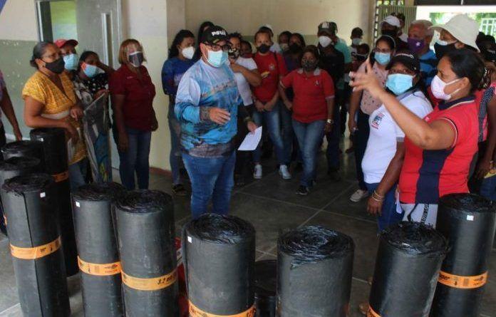 Gobernación y Alcaldía de Puerto cabello entregaron materiales a U.E Isabel Teresa Ponce